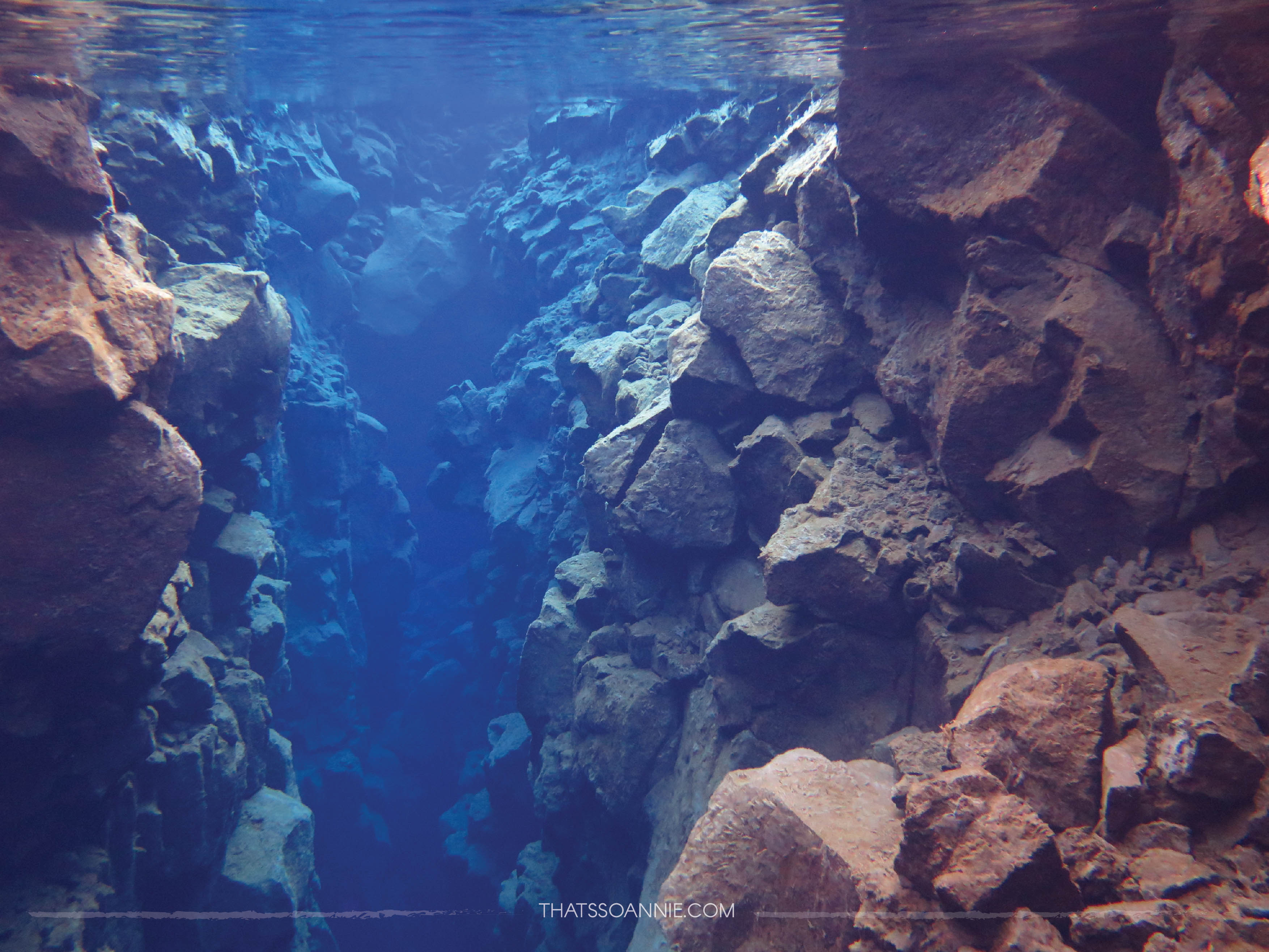 Snorkeling between American and Eurasian Tectonic Plates at Silfra Fissure, Iceland | www.thatssoannie.com