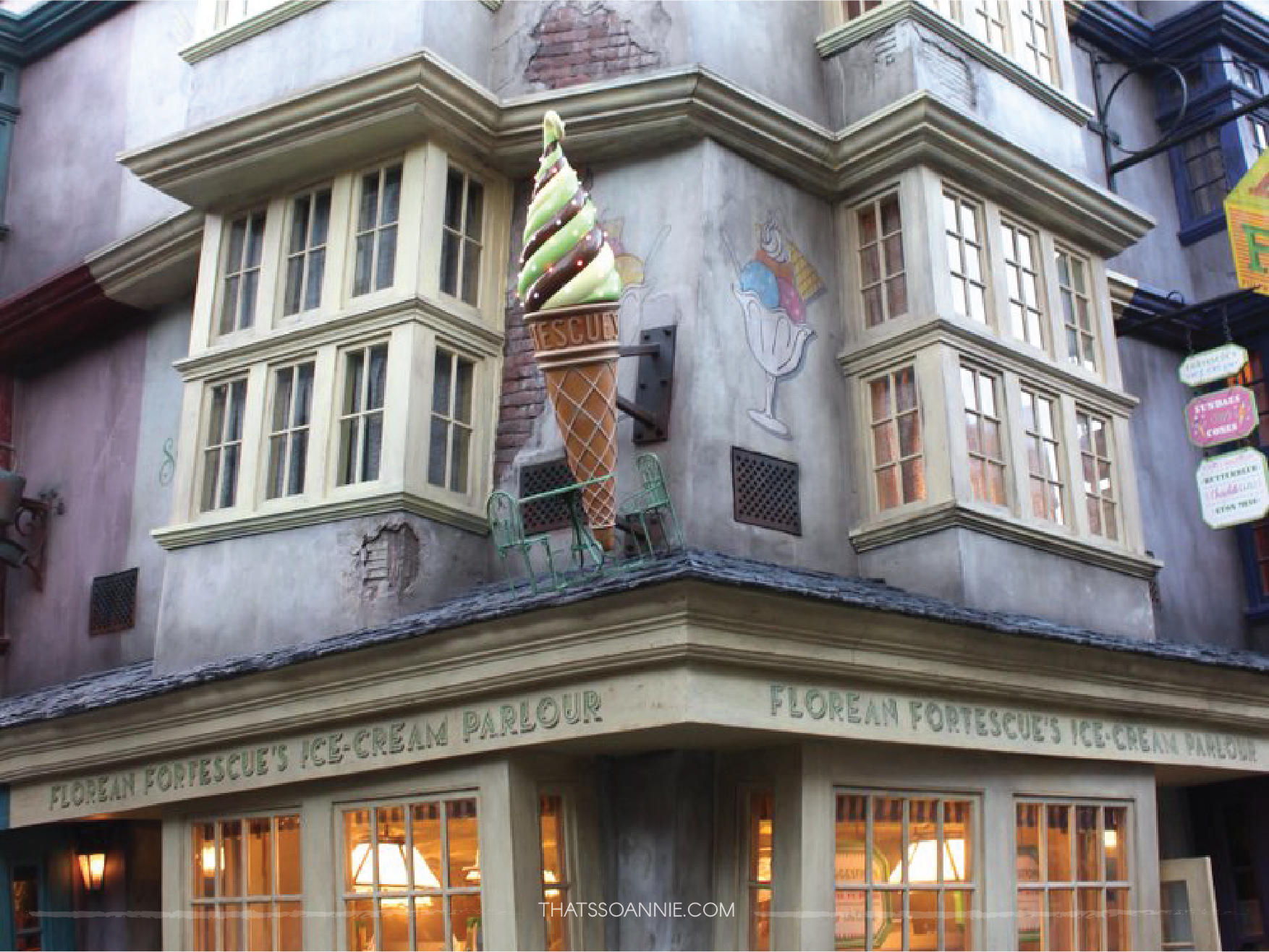 Florean Fortescue's Icecream Parlor, The Wizarding World of Harry Potter.